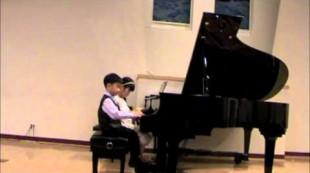 Rheanne Kuo & Eddy Qin, 6 yrs.old. Piano duet. Wonderchild Showcase Concert 2013