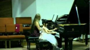 Wonder-Child Concert 2010 Gloria Liu, 7 years old plays  Concerto op. 44 by Berkovich