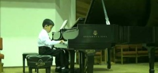 Wonder-child Showcase Concert 2009. Kevin Weng,  Sonatina in C major, IV mvt. by Mozart