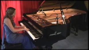 "Amy Janelle performs ""Sun Dance"" at Piano Haven Studio – Shigeru Kawai SK7"