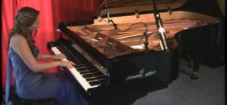 "Amy Janelle performs ""Sun Dance"" at Piano Haven Studio – Shigeru Kawai SK7"
