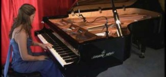 Amy Janelle performs Peaks of Red at Piano Haven Studio – Shigeru Kawai SK7