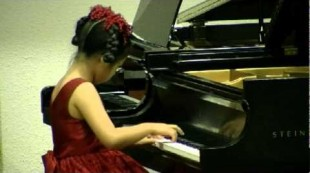 Wonder-Child Concert 2010. Rachel Ding playing Six Variations in G Major Wo0 70 By Beethoven