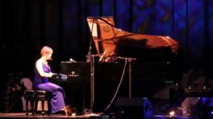 Catherine Marie Charlton – Solo Piano – ZMR Music Award Show
