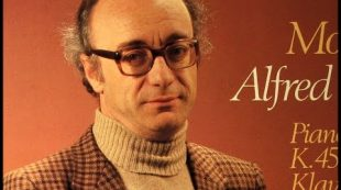Mozart / Alfred Brendel, 1979: Piano Concerto No. 15 in B Flat, KV 450 – Marriner